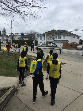 Grade 7s Keeping Our Community Clean